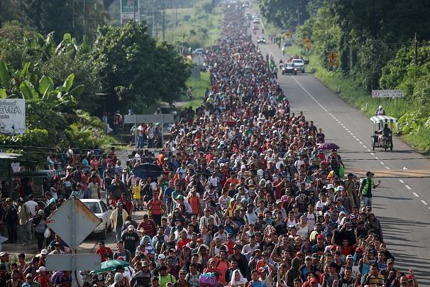 کاروان هزاران نفری پناهجویان به مقصد آمریکا به مکزیک رسید