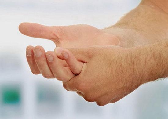 تعریق کف دست