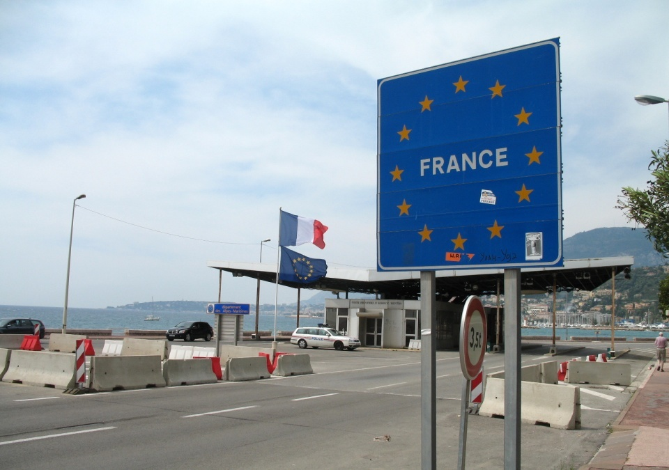فرانسه تدابیر کنترل مرزی را تمدید کرد
