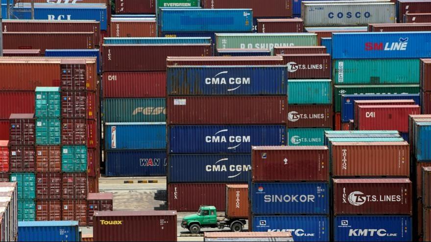 هشدار صندوق بین المللی پول | جنگ تجاری چین و آمریکا جهان را فقیرتر می کند