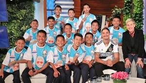 دیدار فوتبالیستهای غارنشین با زلاتان در برنامه الن