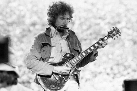 آلبوم موسیقی باب دیلن روی پرده نقرهای