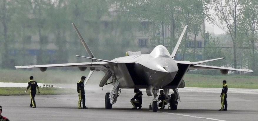 پیشرفتهترین جنگندۀ رادار گریز چین به پرواز درآمد