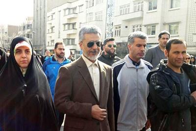 راهپیمایی ۲۲ بهمن وحدت ملی را افزایش داده است