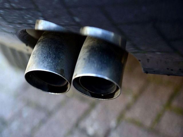 خودروهای دیزلی یکی از مقصران آلودگی هوا در شرق تهران