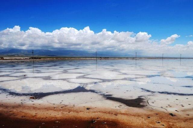 مقایسه وضعیت خشک شدن دو دریاچه نمک و ارومیه