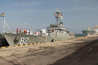 ناو گروه نیروی دریایی ارتش در سریلانکا پهلو گرفت
