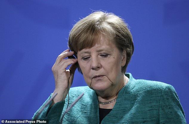 مرکل خواستار پیشرفت سیاست مهاجرتی اتحادیه اروپا شد