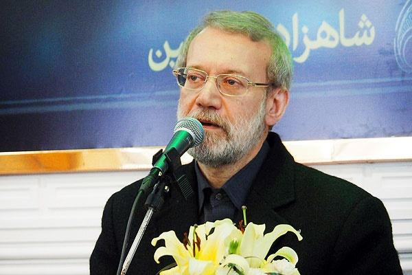 لاریجانی: تمامی درآمدهای کشور صرف هزینههای جاری میشود