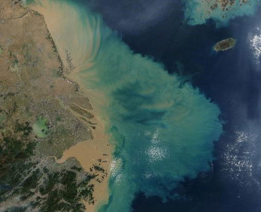 برآورد سطح پهنههای آبی با ماهواره