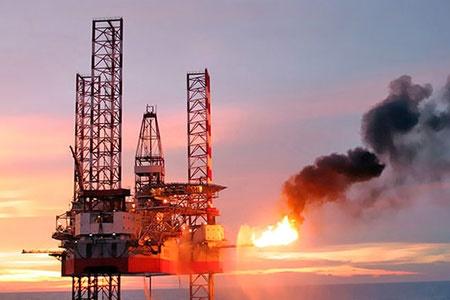دوشنبه ۷ اسفند | قیمت نفت به رکورد ۳ هفتهای خود رسید