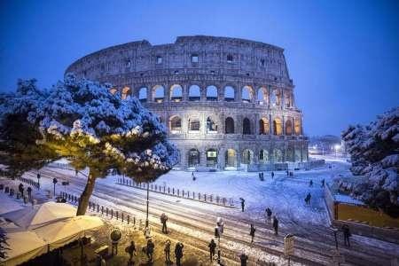 برف سنگین رم را فلج کرد | به کارگیری نیروهای ارتش ایتالیا برای پاکسازی خیابان ها
