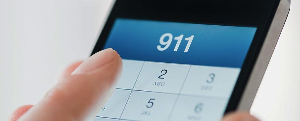 گوشیهای آیفون اتفاقی با مرکز پلس تماس میگیرند