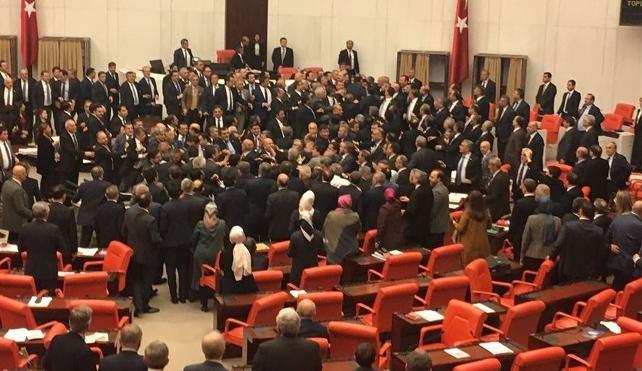 درگیری فیزیکی در مجلس ترکیه