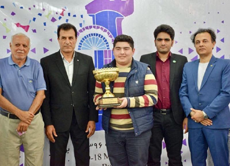 پرهام مقصودلو قهرمان شطرنج کشور در سال ۹۶ شد