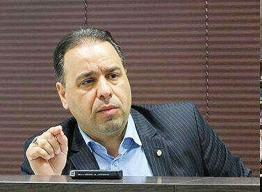 دادستان نسبت به تعقیب عواملی که در فوت زهرا کاظمی دخالت داشتند اقدام کند