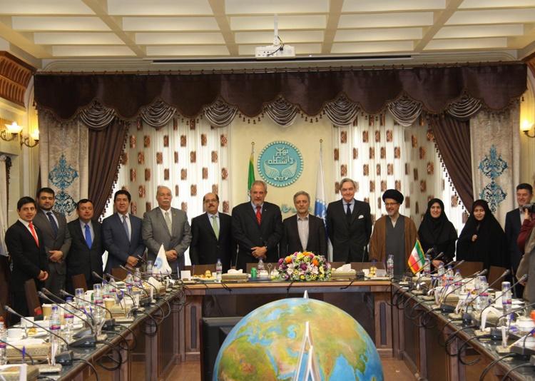 هفته فرهنگی کوبا در دانشکده مطالعات جهان دانشگاه تهران برگزار شد