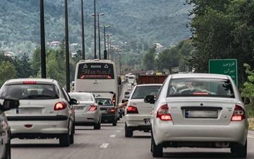 وضعیت ترافیکی جادهها در نخستین روز سال۹۷ | جادههای شمال درگیر ترافیک پرحجم