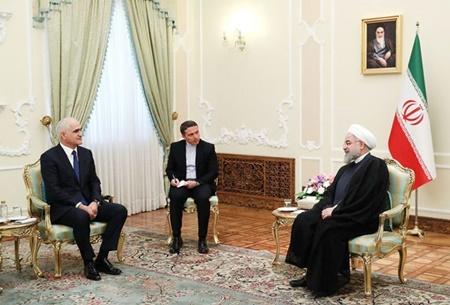 دیدار روحانی و وزیر اقتصاد جمهوری آذربایجان در زمینه همکاری های تهران - باکو
