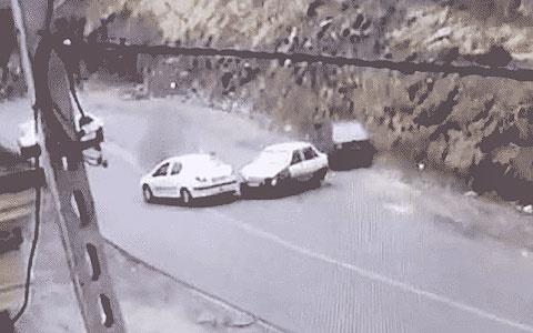 تصادف گازوئیل روی جاده