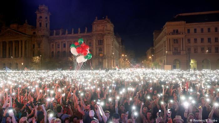 تظاهرات مردم مجارستان در مخالفت با نخست وزیر