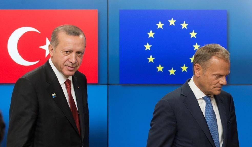 کمیسیون اروپا: ترکیه از عضویت در اتحادیه اروپا بسیار دور شده است