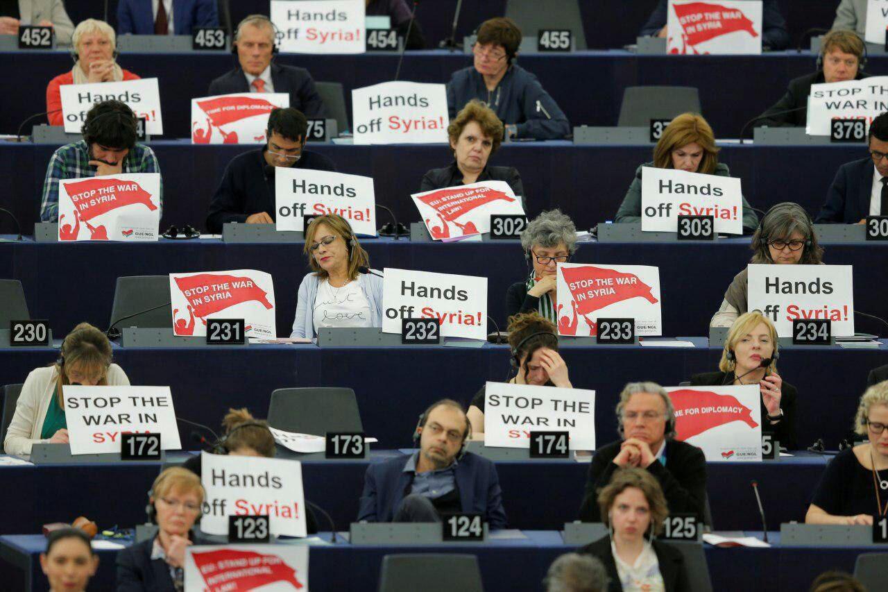 پارلمان اروپا صحنه اعتراض به مکرون و حمله سوریه شد
