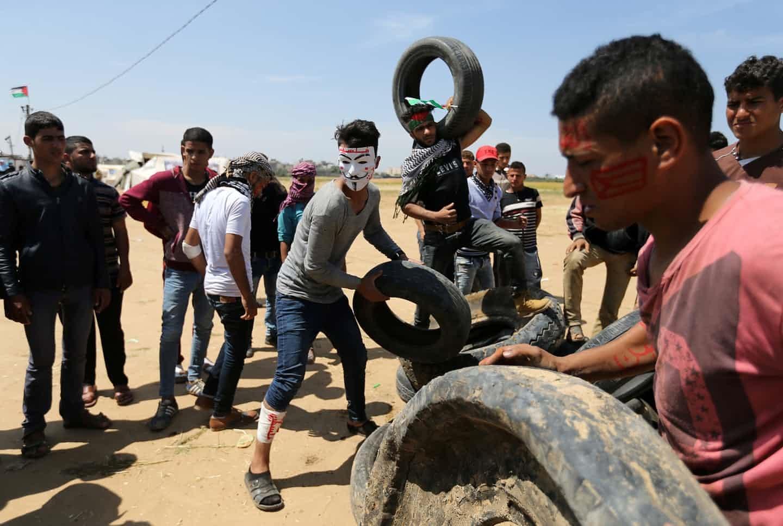 عکس روز: تایرها برای آتش