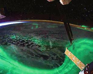 منظره شفق قطبی از فضا