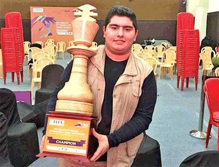 برنده مسابقه شطرنج