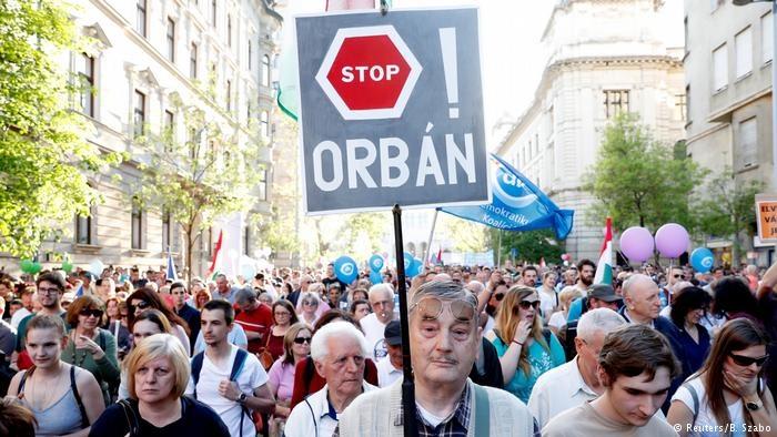 تظاهرات گسترده در مجارستان علیه سیاستهای رسانهای دولت