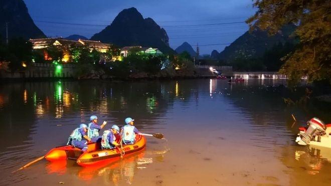 ۱۷ نفر در حادثه واژگونی قایق در چین کشته شدند