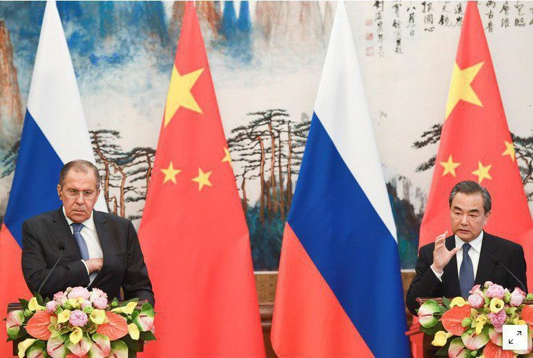 دیدار لاورف و وانگ یی در پکن | توافق روسیه و چین برای جلوگیری از تخریب برجام