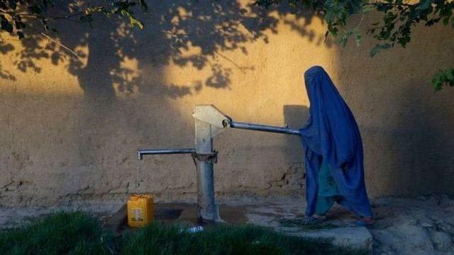 خشکسالی ۵۰۰ هزار کودک افغان را تهدید میکند