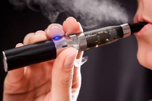 استعمال سیگارهای الکترونیکی به کبد آسیب میرساند