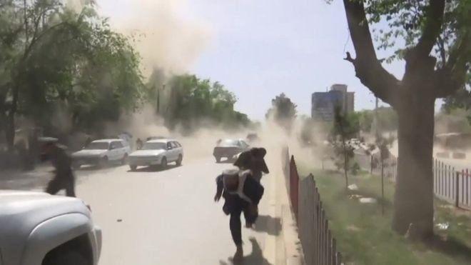 ۹ خبرنگار در میان ۲۵ کشته انفجارهای کابل | پرتلفاتترین حادثه برای خبرنگاران