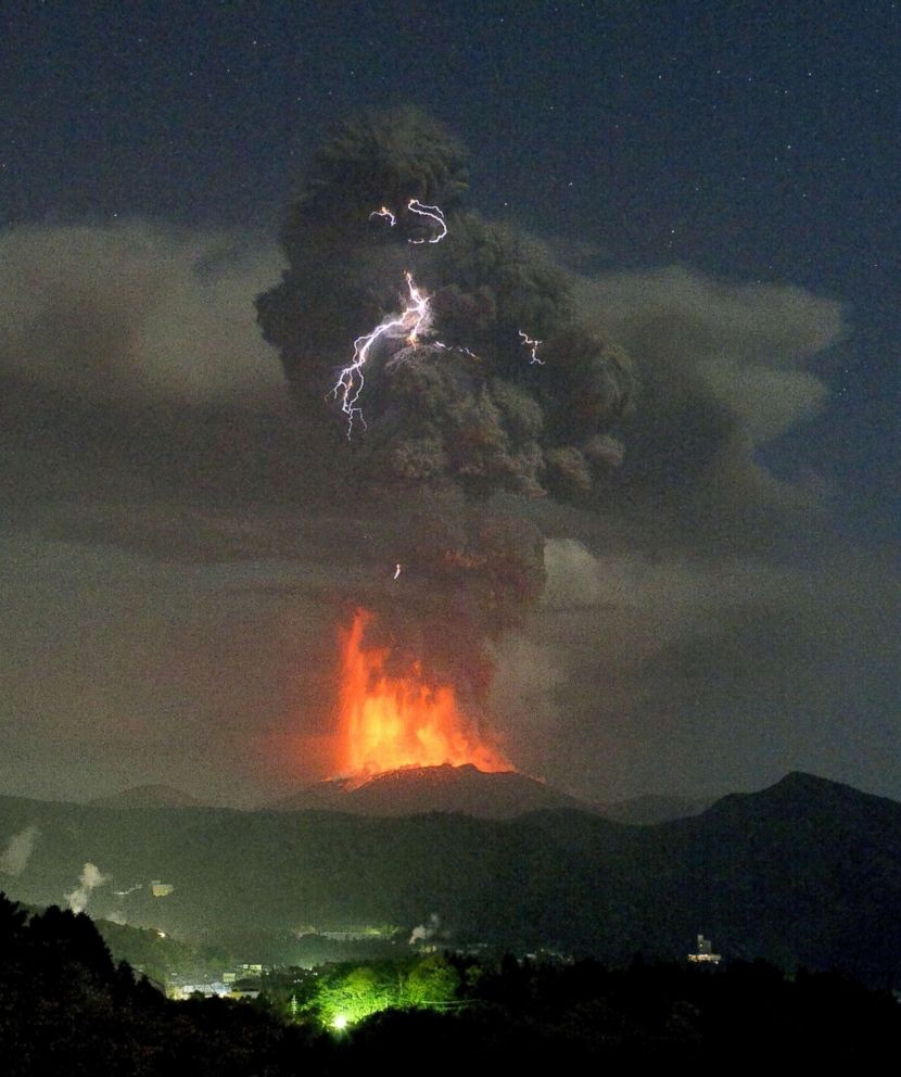 آتشفشان شینمو در ژاپن دوباره فعال شد
