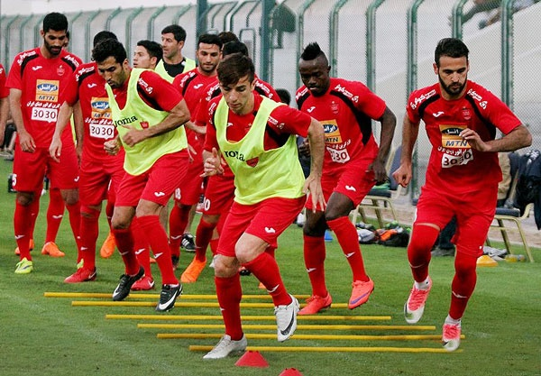 برانکو گفت با همه بازیکنان تیم قرارداد ببندید | مسلمان در لیست سال آینده است