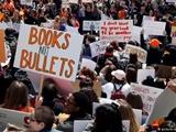 تظاهرات سراسری دانشآموزان آمریکا علیه خشونت مسلحانه