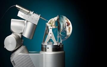 جراحی جمجمه با استفاده از ربات دقیق