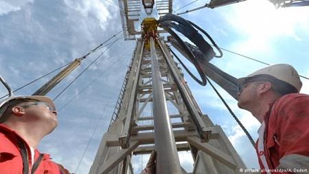 تاثیر بحران های سیاسی روز بر افزایش بهای نفت خام