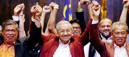 ماهاتیر محمد در آستانه بازگشت به قدرت مالزی