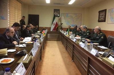 مناسبات نظامی ایران و افغانستان گسترش مییابد