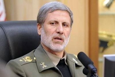 وزیر دفاع: کسی جرات نگاه نامناسب به جمهوری اسلامی ایران را ندارد