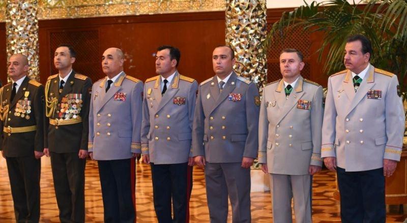 وزارت دفاع تاجیکستان خواستار فارسی سازی درجات نظامی شد