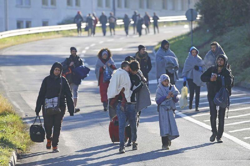 مهاجران اسلوونی را در بحران فروبرده اند