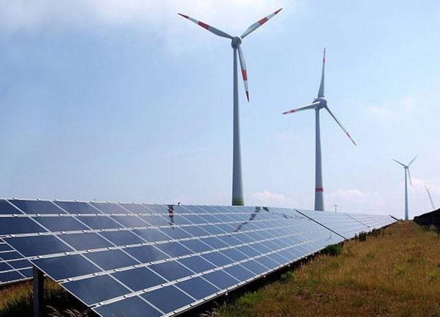 انرژیهای تجدیدپذیر جای سوختهای فسیلی را میگیرند
