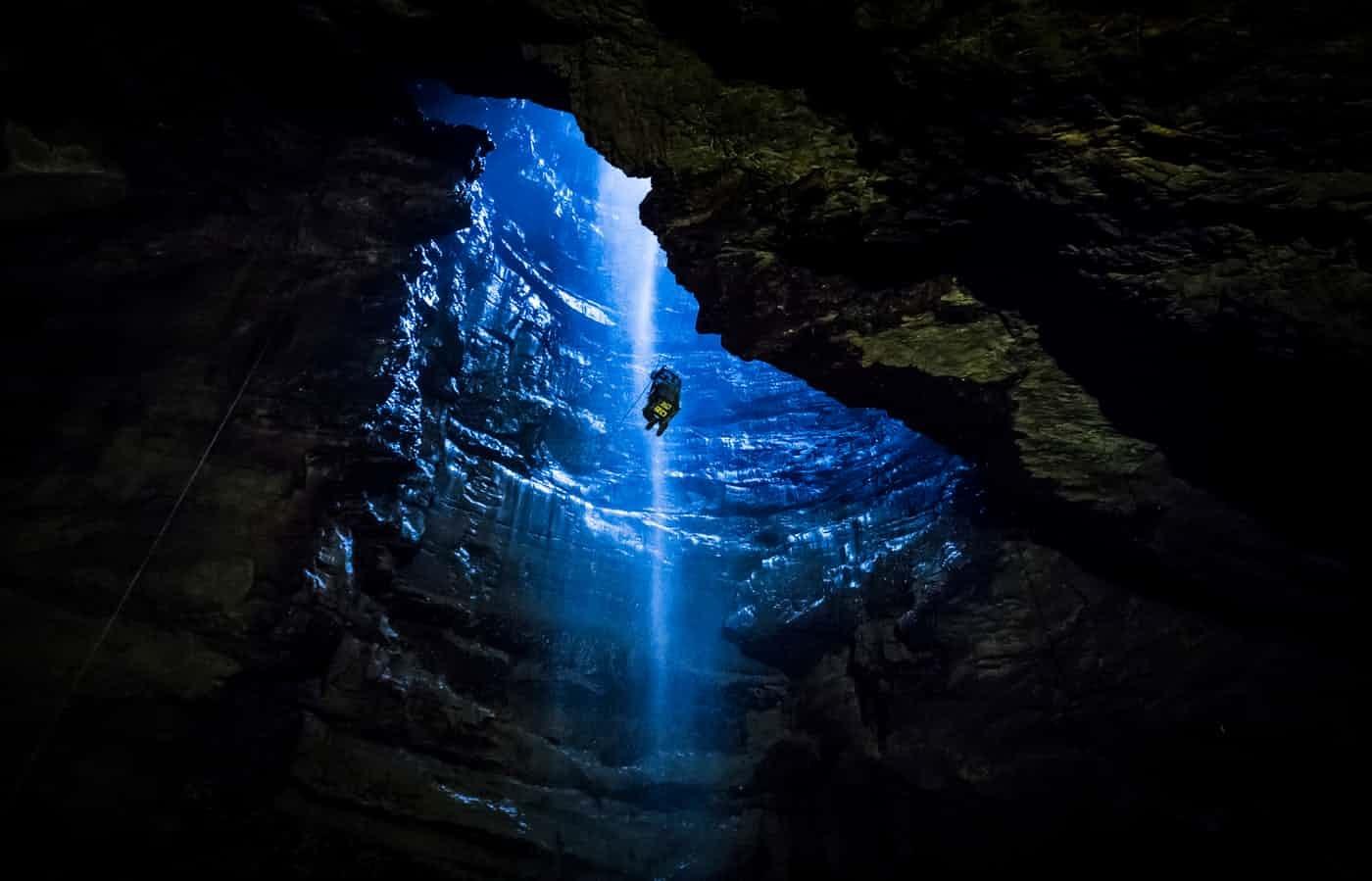 عکس روز: درون غار