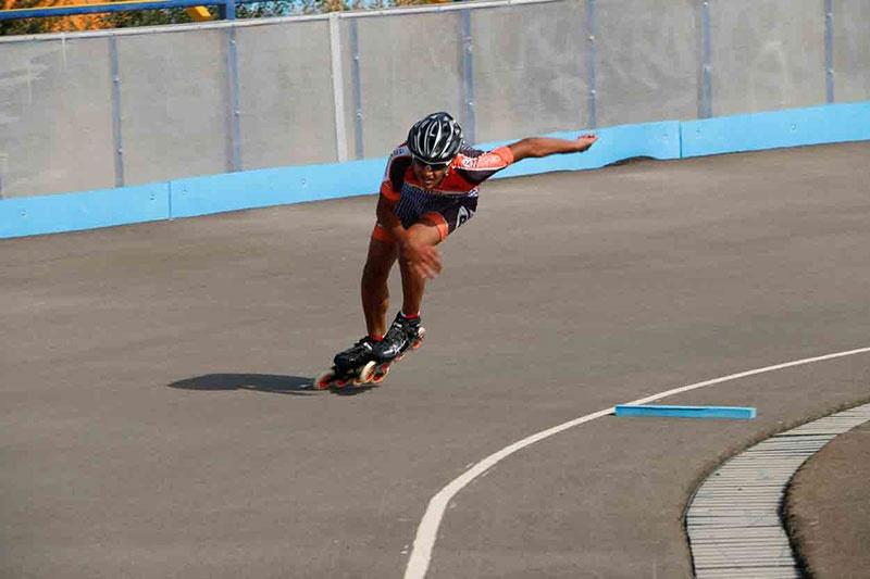 مسابقات اسکیت سرعت دستجات آزاد کشوری پسران نوجوان برگزار شد