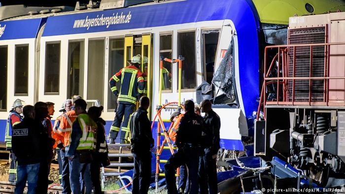 تصادف قطار مسافربری با قطار باری در ایالت بایرن آلمان